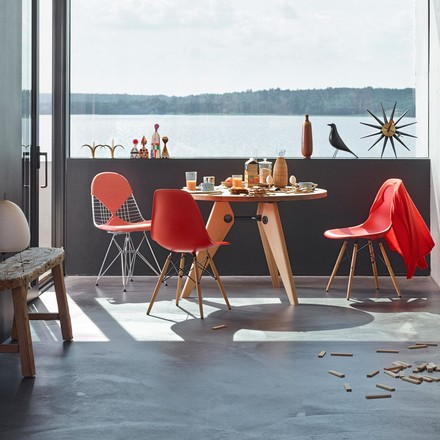 Vitra – Eames Plastic Side Chair DSW